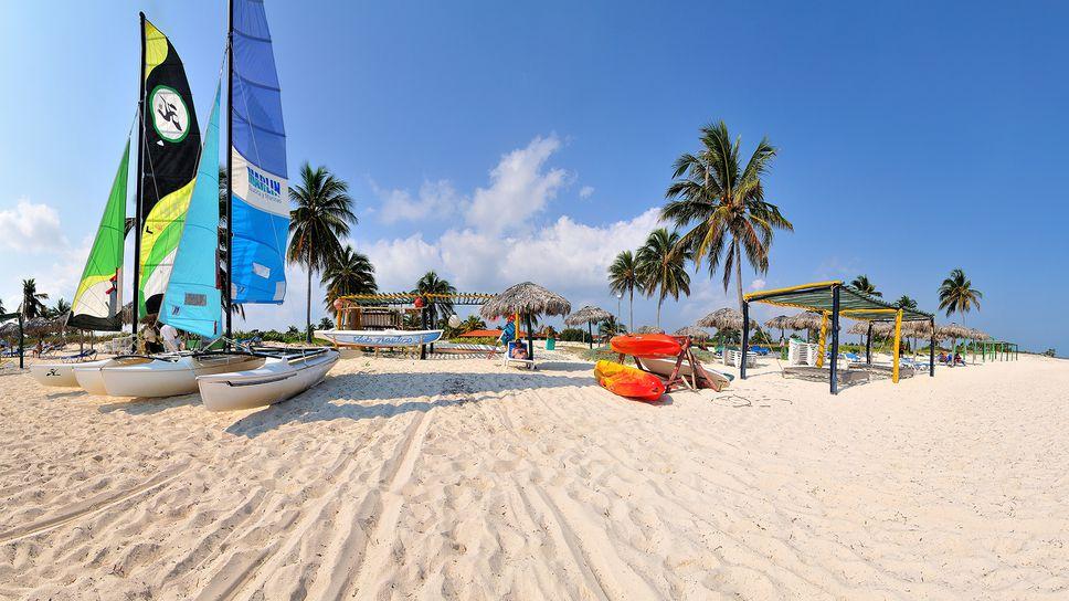 Discover Cuba's Club Amigo Mayanabo and Brisas Santa Lucia